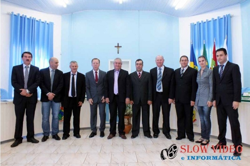 Rudimar e Grindo empossados. Foto www.campoere.com (14)