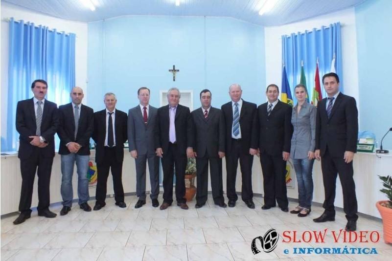 Rudimar e Grindo empossados. Foto www.campoere.com (15)