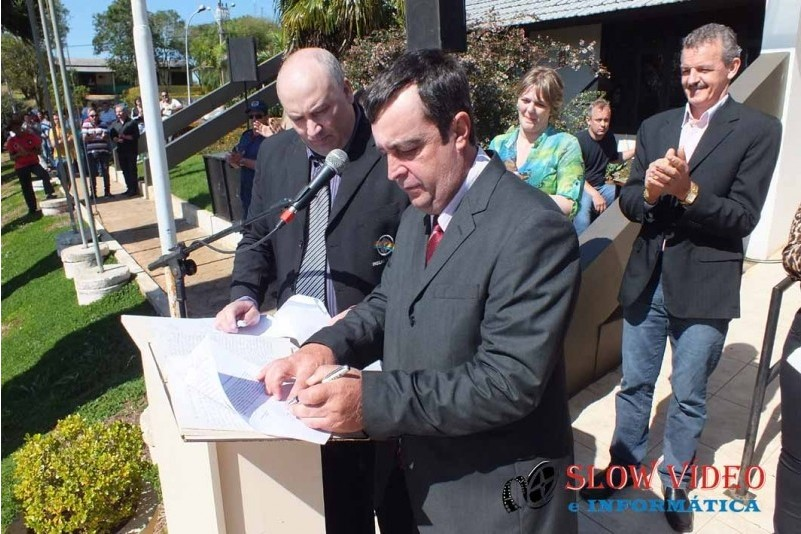 Rudimar e Grindo empossados. Foto www.campoere.com (36)
