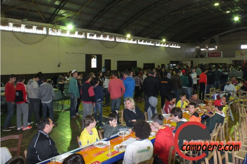 Praça de alimentação. Foto: Jandir Sabedot/www.campoere.com